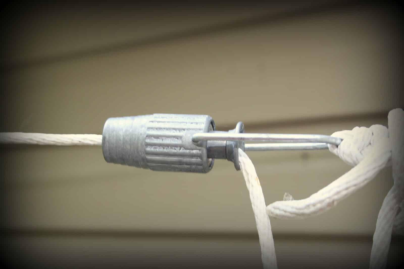 Clothesline tightener