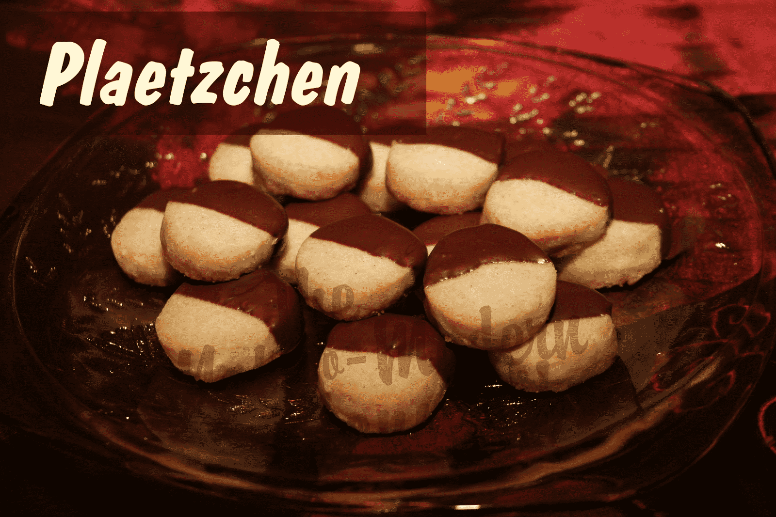 Plaetzchen (German Christmas Cookies)