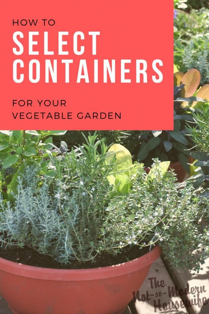 How to select containers for your vegetable garden. Choose the best container for growing vegetables with these tips. Select planters based upon size, root depth, and watering needs of your plants. #containergardening #vegetablegardening #gardening #growsomethinggreen